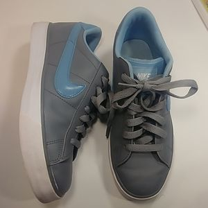 Nike 354496-016 Leather  Rubber Tennis Shoes W 7.5